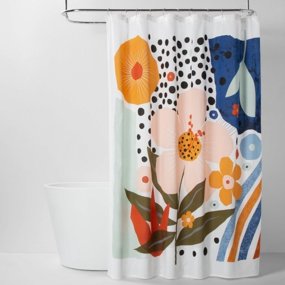 ROOM ESSENTIAL NWOT Explode graphic shower curtain